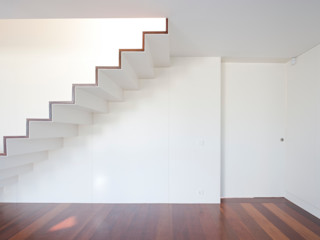 Figueiredo+Pena Minimalist corridor, hallway & stairs