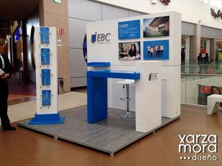 Stands Xarzamora Diseño Centros comerciales de estilo minimalista