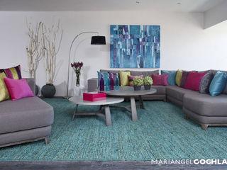 MARIANGEL COGHLAN Гостиная в стиле модерн Многоцветный