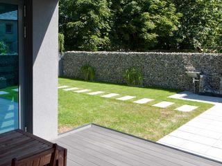 Modern Line Jardines de estilo moderno
