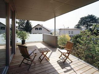 DA-ZU DREER2 Moderner Balkon, Veranda & Terrasse