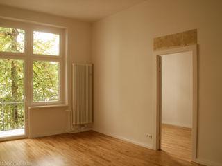Birgit Glatzel Architektin Industrial style living room Wood White
