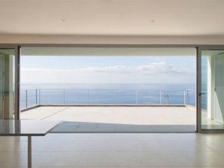 Mayer & Selders Arquitectura Їдальня Плитки Бежевий