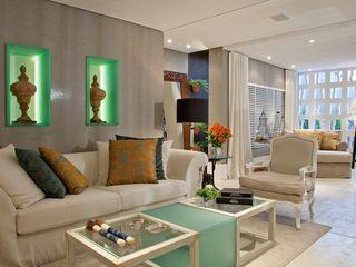 Bianka Mugnatto Design de Interiores Salones de estilo ecléctico Blanco