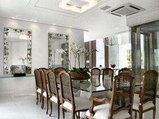 Bianka Mugnatto Design de Interiores Comedores de estilo ecléctico Madera maciza
