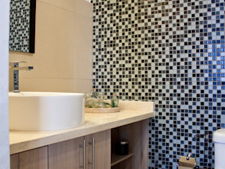 Avianda Kitchen Design Ruang Ganti Minimalis Kayu Buatan Wood effect