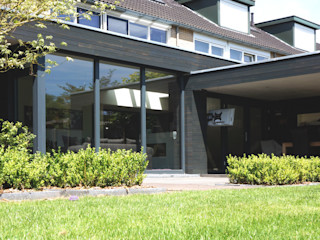Raymond Horstman Architecten BNA 现代客厅設計點子、靈感 & 圖片 木頭 Black