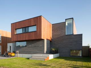 De Zwarte Hond Modern Houses