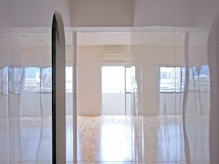 Superimposition House Renovation 高田博章建築設計 Modern corridor, hallway & stairs Wood White