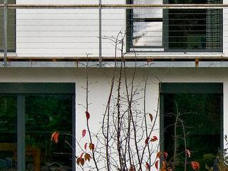 Fürst & Niedermaier, Architekten Balcones y terrazas modernos: Ideas, imágenes y decoración