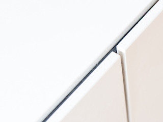 .kii6   weißer Betonkamin   kiimoto Speicherkamin kiimoto kamine Moderne Esszimmer Weiß