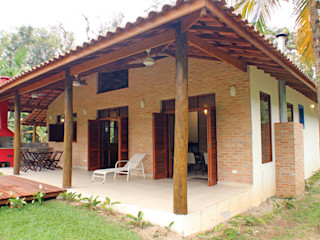 RAC ARQUITETURA Balcone, Veranda & Terrazza in stile coloniale