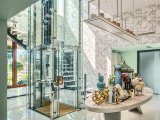 City Exquisite Viterbo Interior design Corredores, halls e escadas ecléticos