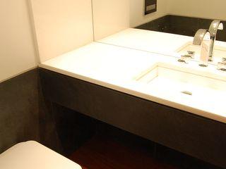 Critério Arquitectos by Canteiro de Sousa Eclectic style bathroom