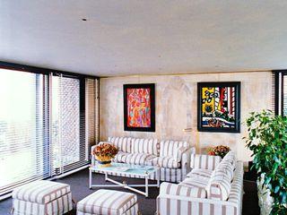 ARC et SENS Modern living room