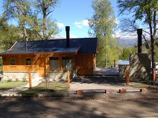 Casa Los Robles - San Martin de los Andes Aguirre Arquitectura Patagonica Casas clásicas Madera maciza Acabado en madera