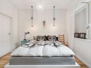 PracowniaPolka Scandinavian style bedroom Bricks White