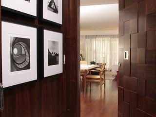 Fernanda Moreira - DESIGN DE INTERIORES Modern windows & doors Wood Wood effect