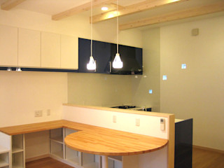 あお建築設計 Moderne keukens Blauw
