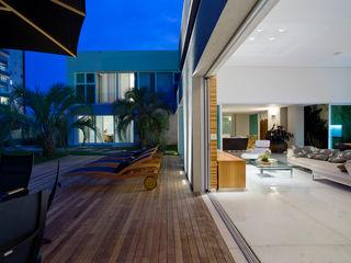 Casa Belvedere Márcia Carvalhaes Arquitetura LTDA. Casas modernas