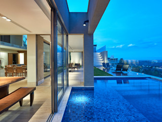 Casa Riviera Márcia Carvalhaes Arquitetura LTDA. Piscinas modernas