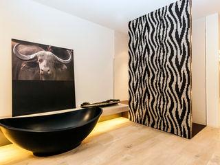 ELEMENTS Nürtingen BathroomBathtubs & showers Black