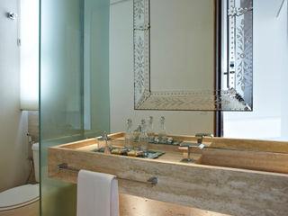 Casa Vila Alpina 02 Márcia Carvalhaes Arquitetura LTDA. Banheiros modernos