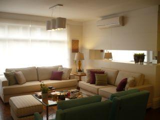 ESTAR APARTAMENTO | BELA VISTA Ana Levy | Arquitetura + Interiores Sala de estarSofás e divãs