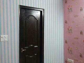 Decor At Door Спальня