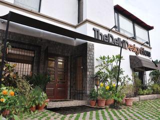 The Delhi Design Store monica khanna designs Casas modernas
