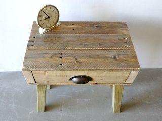 Pallet Bedside Table Piggledy Pallet Furniture Camera da lettoComodini Legno Effetto legno