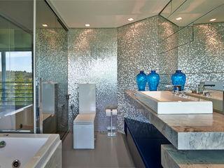 Bellini Arquitetura e Design Modern bathroom