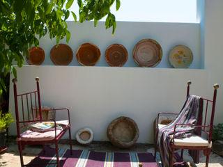 Casa Borba Spacemakers Modern balcony, veranda & terrace