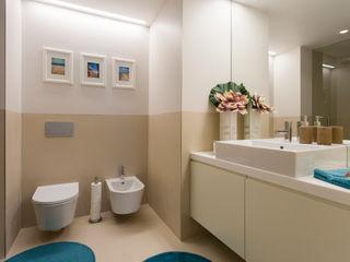 Traço Magenta - Design de Interiores Modern style bathrooms