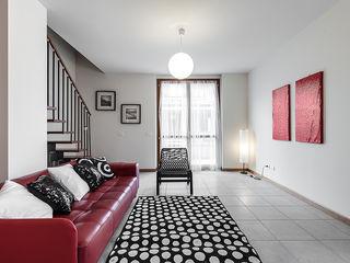 Home Staging presso Centro Residenziale in Lainate (MI) Gabriella Sala Design Soggiorno minimalista