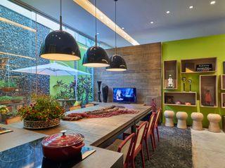 Lider Interiores Comedores de estilo moderno