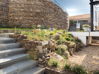 Gwel-An-Treth, Sennen Cove, Cornwall Laurence Associates Сад в стиле модерн