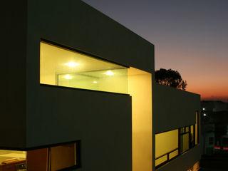 wrkarquitectura Casas de estilo moderno Blanco