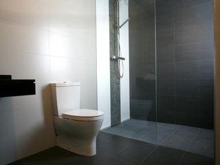 Bocetto Interiorismo y Construcción Baños de estilo moderno