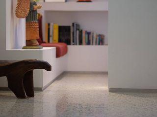 Santa Fé RRA Arquitectura Pasillos, vestíbulos y escaleras de estilo minimalista