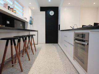 Santa Fé RRA Arquitectura Cocinas de estilo minimalista