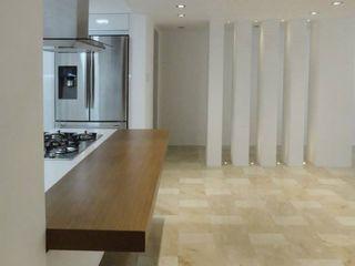 Cumbres de Curumo RRA Arquitectura Cocinas de estilo minimalista