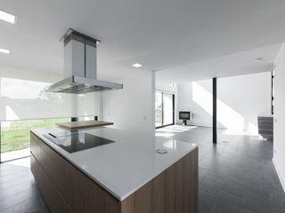 AD+ arquitectura Built-in kitchens Ceramic White