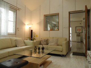 HOUSE IN WHITES VERVE GROUP Minimalist living room