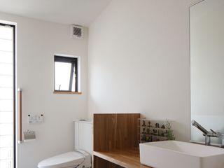 アトリエグローカル一級建築士事務所 Scandinavian style bathroom