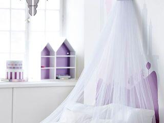 Chidren's Rooms Viva Lagoon Ltd 嬰兒/兒童房照明 木頭 White