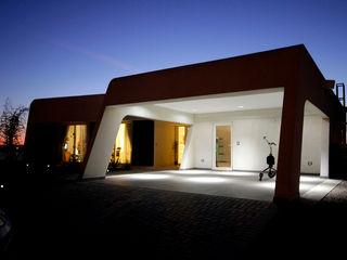 MiD Arquitectura Гараж в стиле модерн