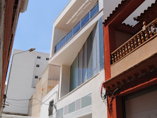 VIVIENDA ENTRE MEDIANERAS JF+E ESTUDIOMORENATE Casas de estilo moderno