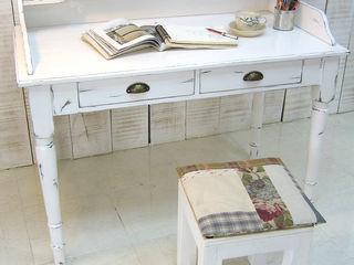 나무사이에 BedroomDressing tables