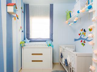 Un bosque para Rubén. RoomRoomBebé Dormitorios infantiles de estilo ecléctico